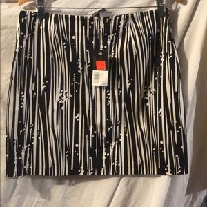 Kenneth Cole Black and White Skirt Sz 8